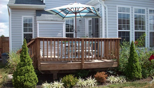 Improve the resale value of your house with a deck